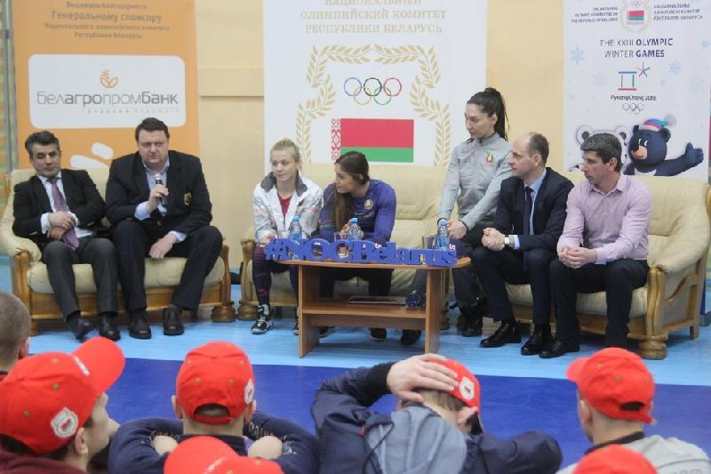 Belarus' wrestling stars held workshop for Olympic reserve students