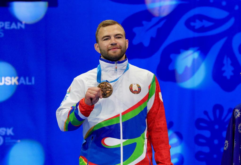 Тимофей Емельянов медаль.jpg