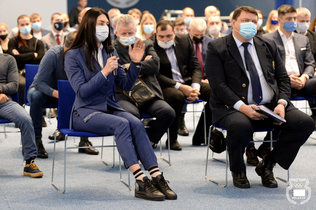 Василиса марзалюк на рабочем совещении по вопросам подготовки к Токи0 2020